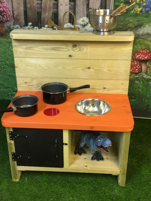 Small Mud Kitchen Deluxe